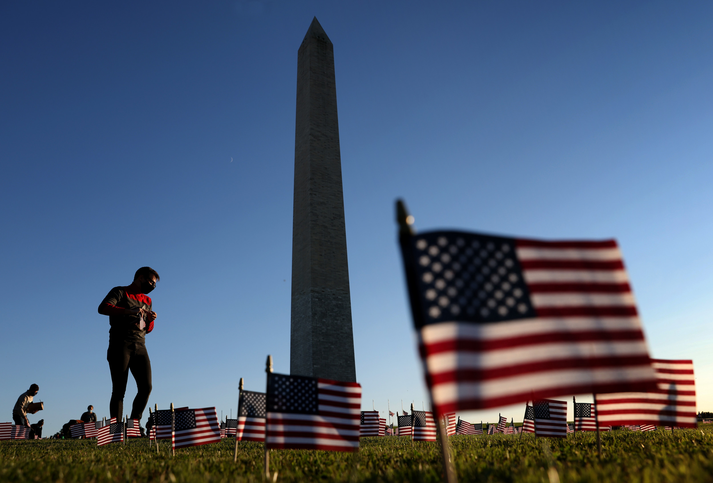 20,000 American Flags Placed at Washington Monument to Honor COVID Victims