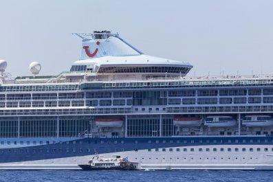 TUI cruise ship Santorini Greece 2018