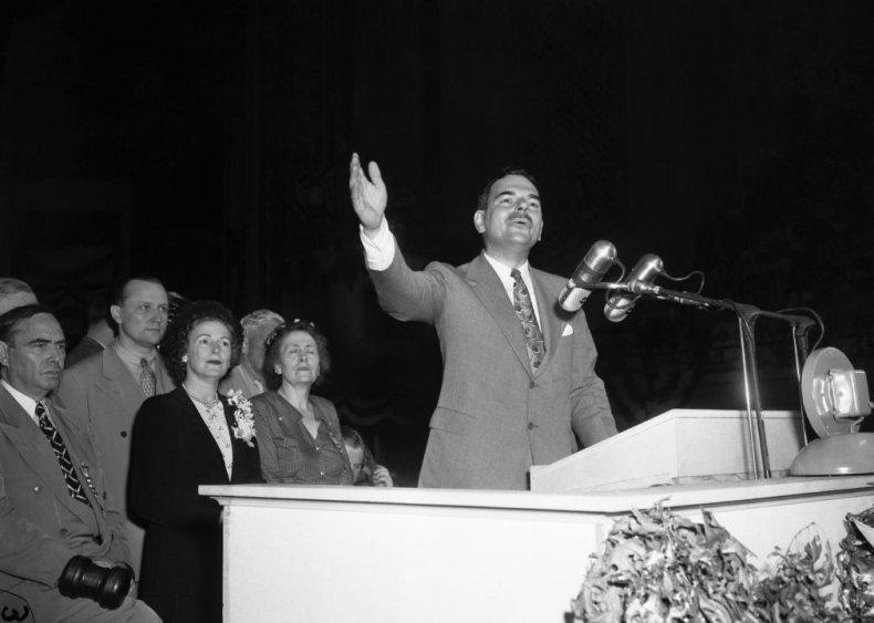 1948: Radio broadcast of Republican primary debate