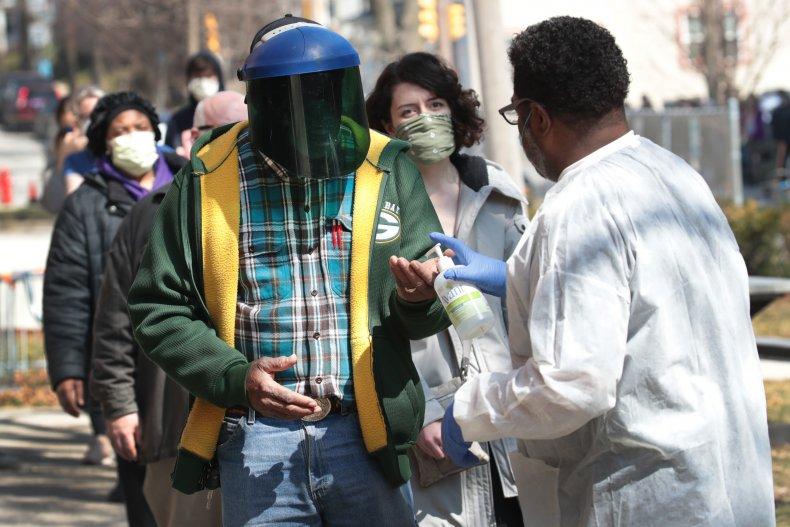 Milwaukee Wisconsin polling station coronavirus April 2020