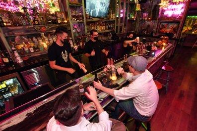 Las Vegas bar customers September 2020