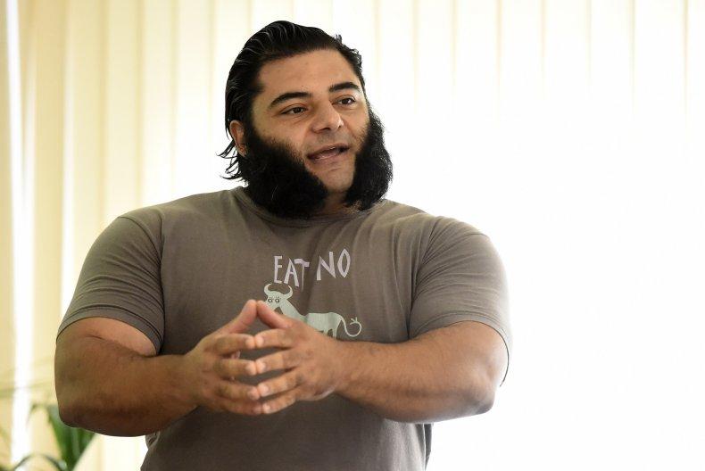 Patrick Baboumian strongman bodybuilder vegan