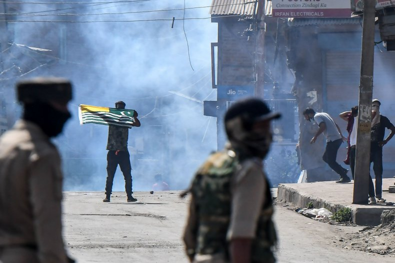 india, kashmir, protests, clashes