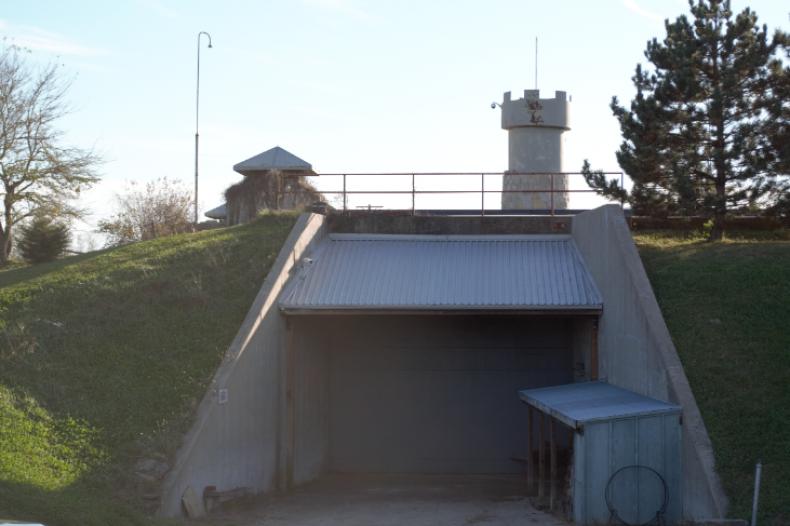 underground bunker, bunkers, subterra castle, kansas