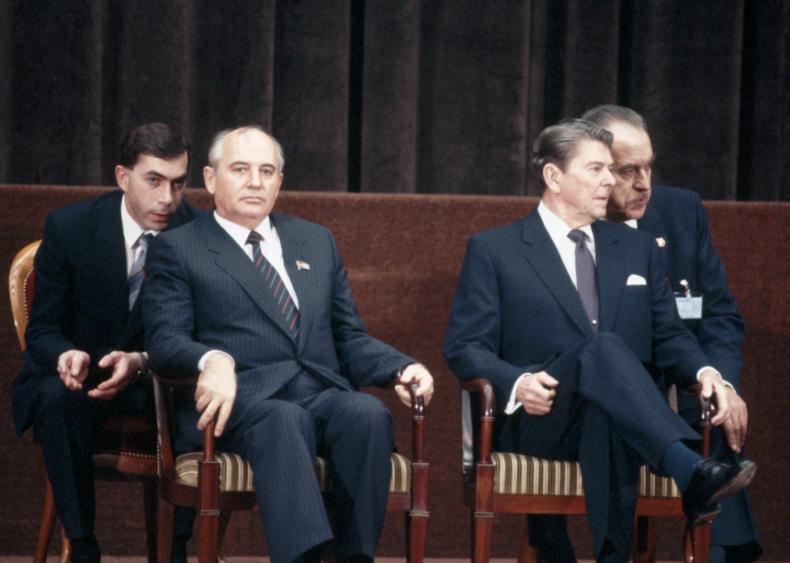 1985: Gorbachev and Reagan at Geneva Summit