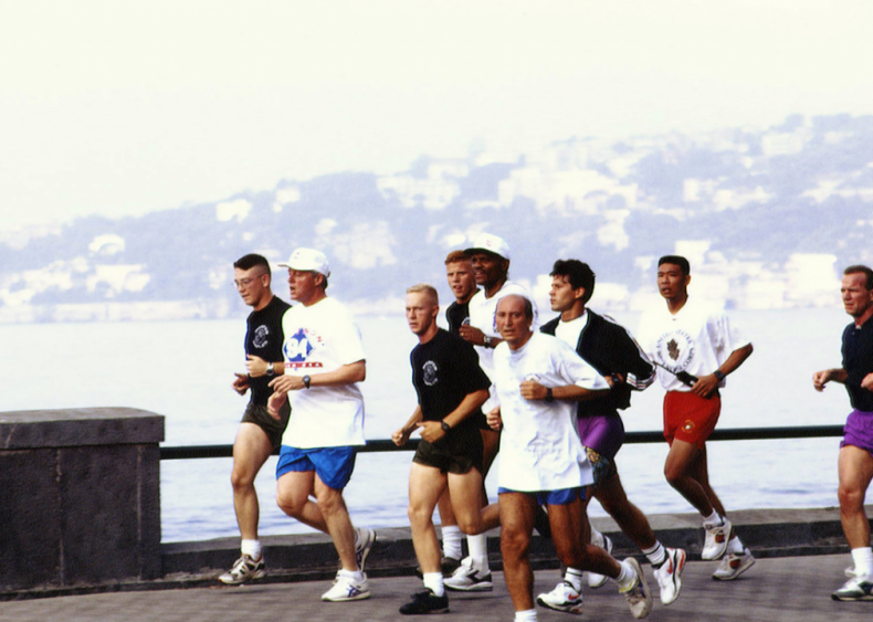 1994: A presidential jog at the G7 Summit
