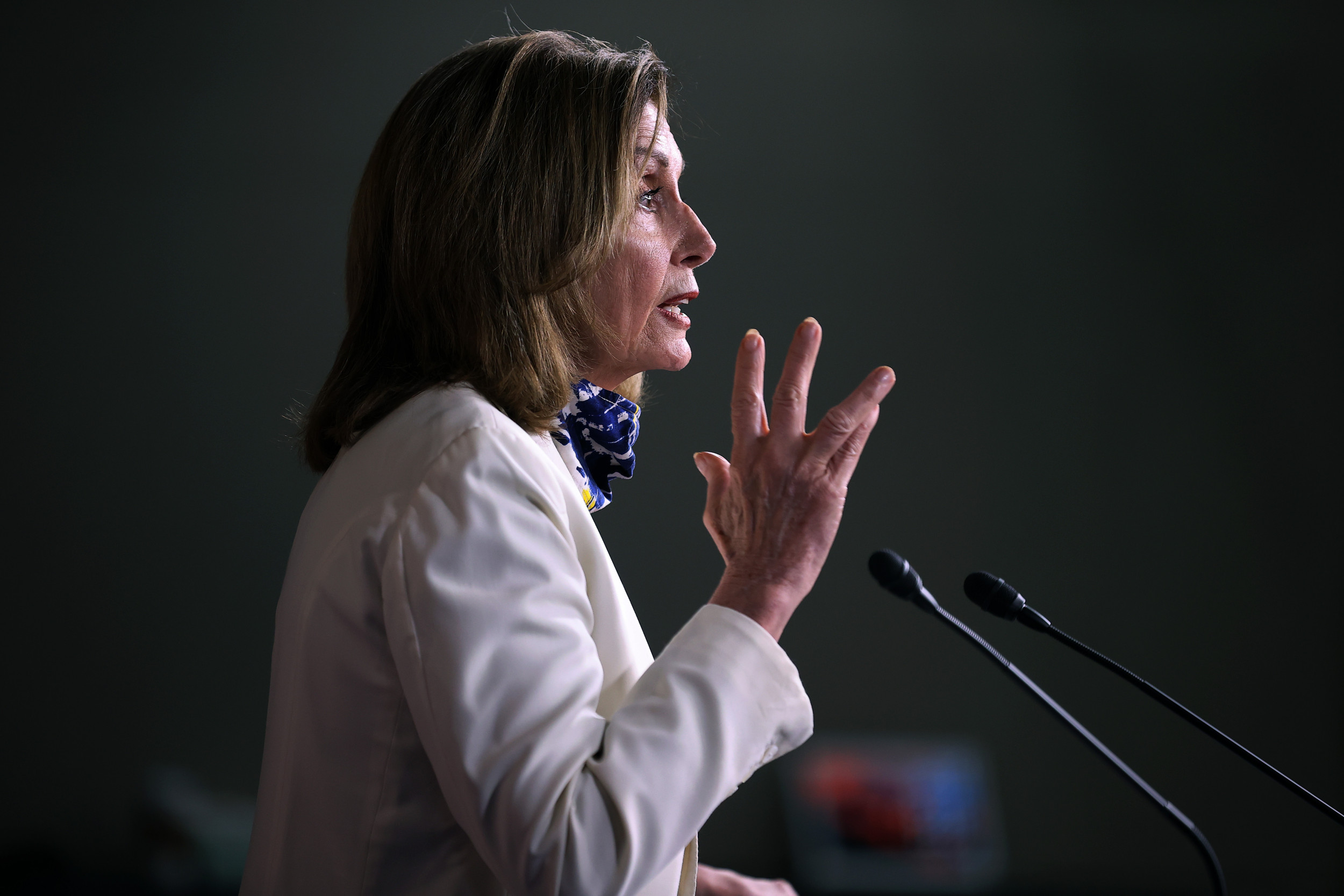 "nancy pelosi oct 1 Nancy Pelosi calls Trump's White House one of the ""most dangerous places"" in the U.S."