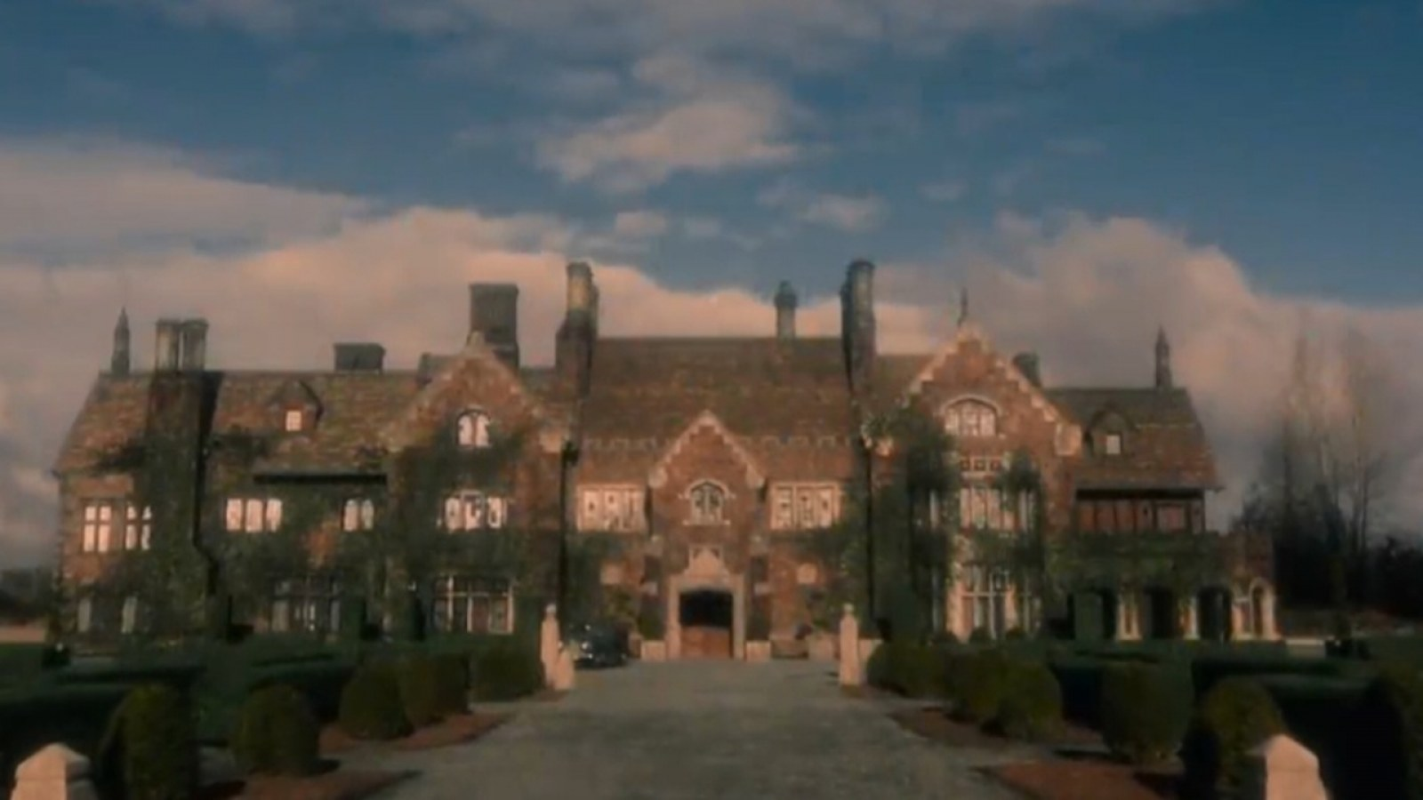 The Haunting Of Bly Manor The Real House That Inspired Bly Manor