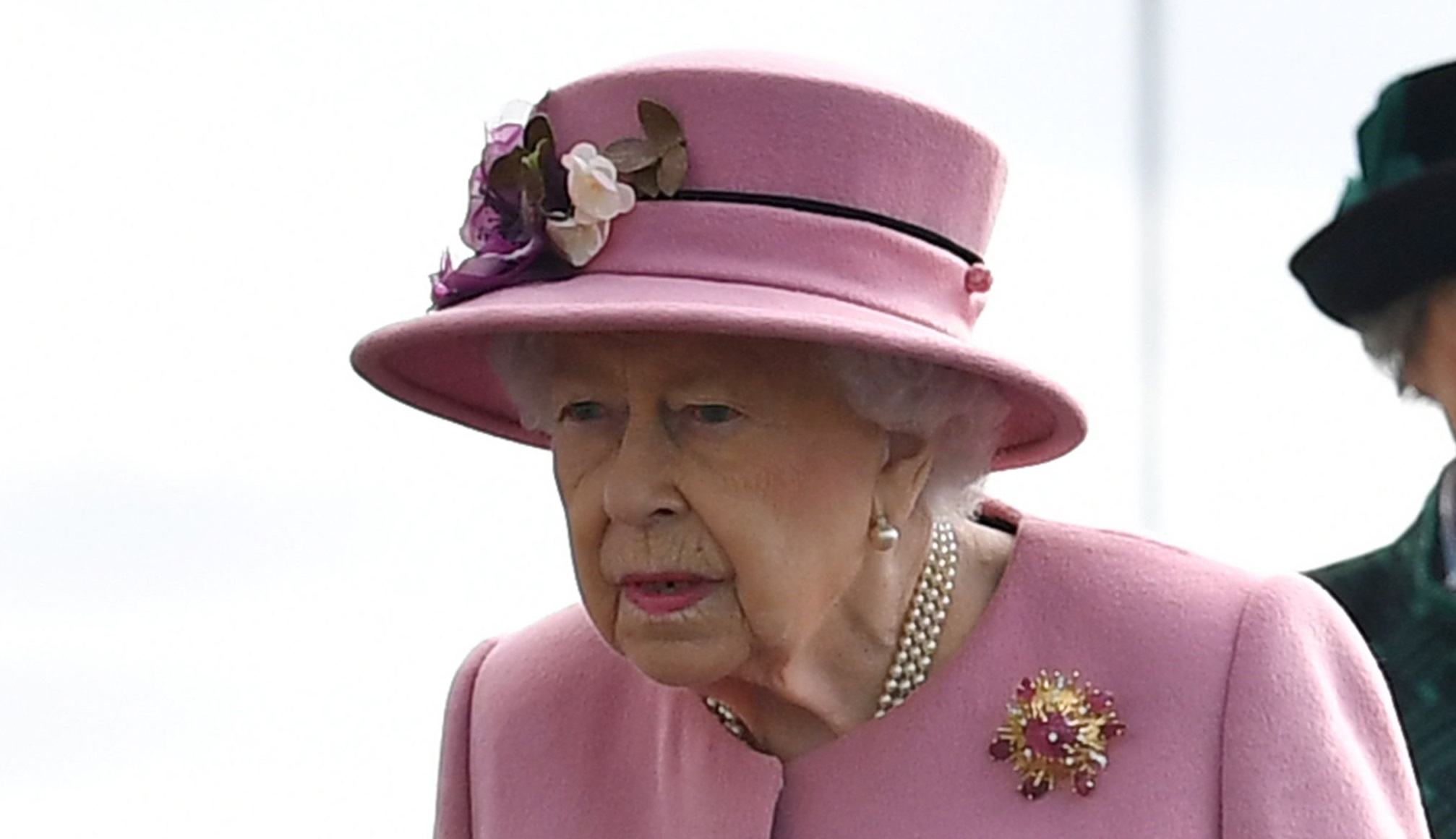 How the Royal Family Got Queen Elizabeth II Back to Work ...