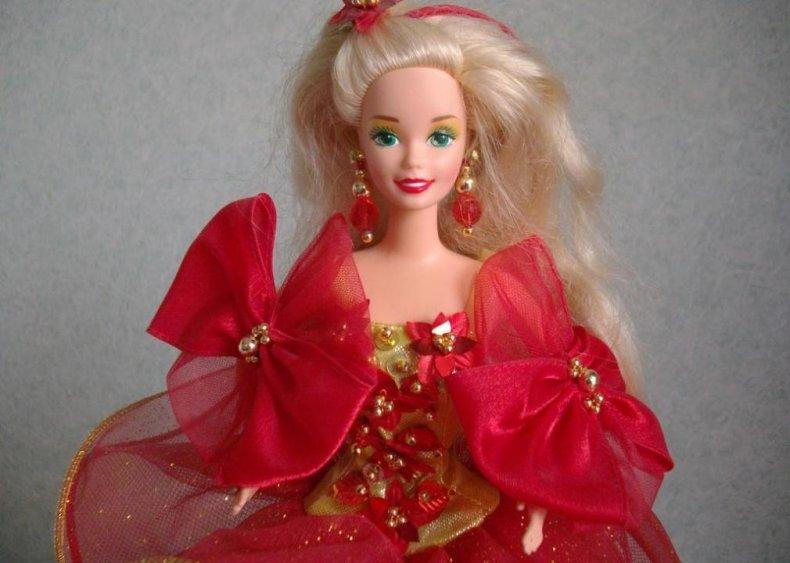 1988: Happy Holidays Barbie dresses up
