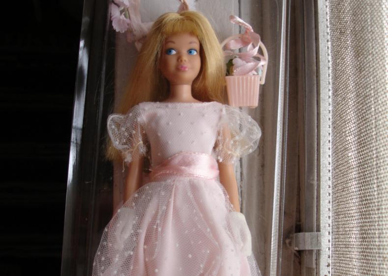 1990: Barbie becomes a bridesmaid