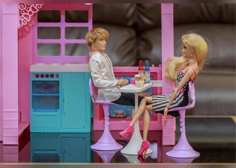 2004: Barbie and Ken break up