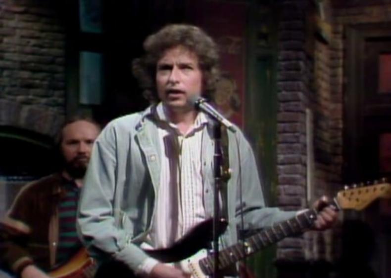 #54. Season 5, Episode 2 - Eric Idle/Bob Dylan
