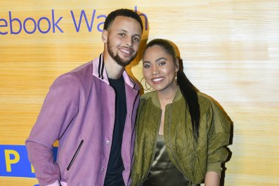 Ayesha Curry Reveals New Blonde Hair
