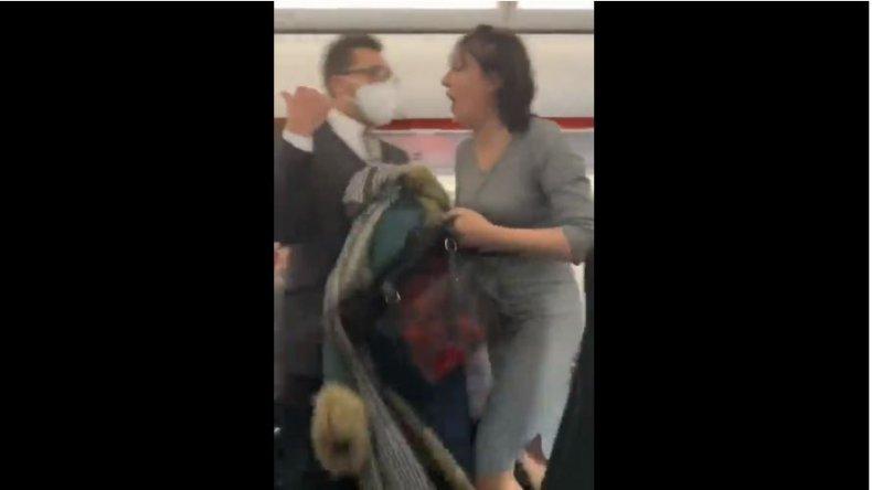 easyjet passenger mask spitting rant