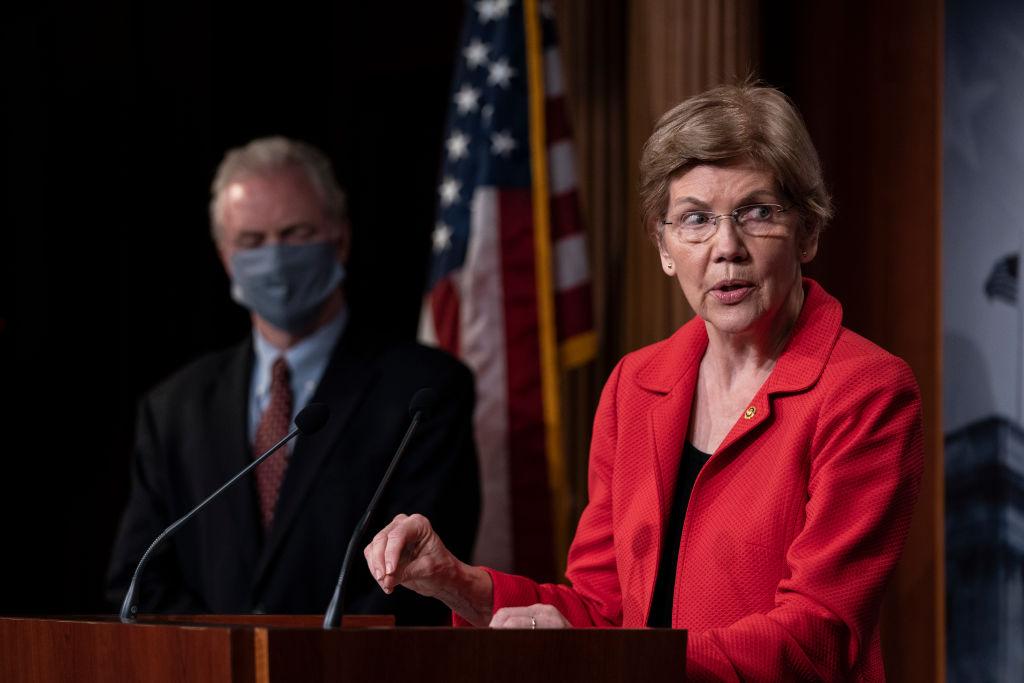 Elizabeth Warren blames Trump administration for Fauci needing security detail