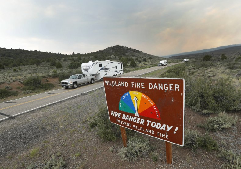 Trailers, Utah fire, evacuations, 2017