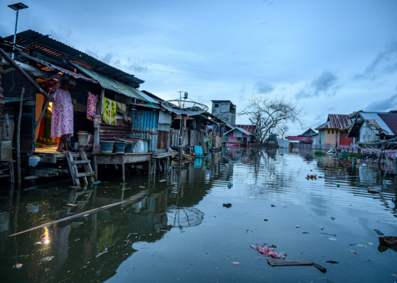 Tidal flooding in Sulawesi