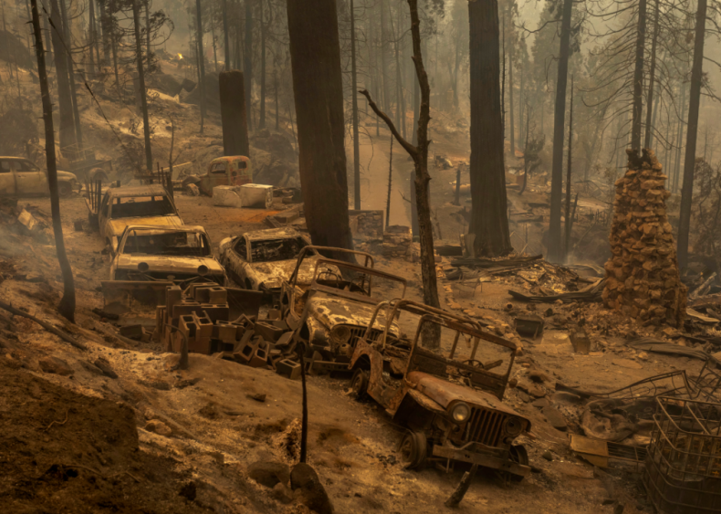 California's Sierra National Forest burns