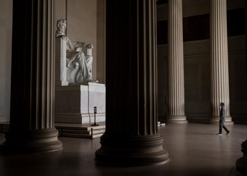 Washington D.C.'s tourism industry takes huge hit