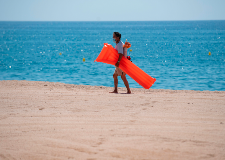 Beaches in Spain reopen