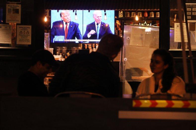 People Watch Debate