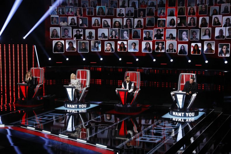 Country Singer Serenades 'The Voice' Coaches