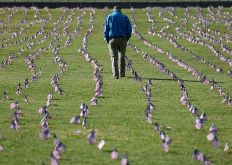 Sept. 22: 200,000 American flags installed on National Mall to memorialize 200,000 COVID-19 deaths