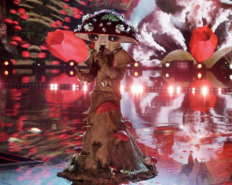 'The Masked Singer' Mushroom Performs