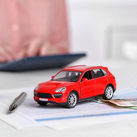 Newsweek Amplify - Auto-Insurance Saving Money
