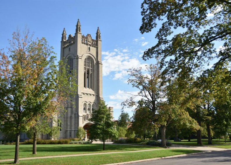 Best college with no application fee: Carleton College