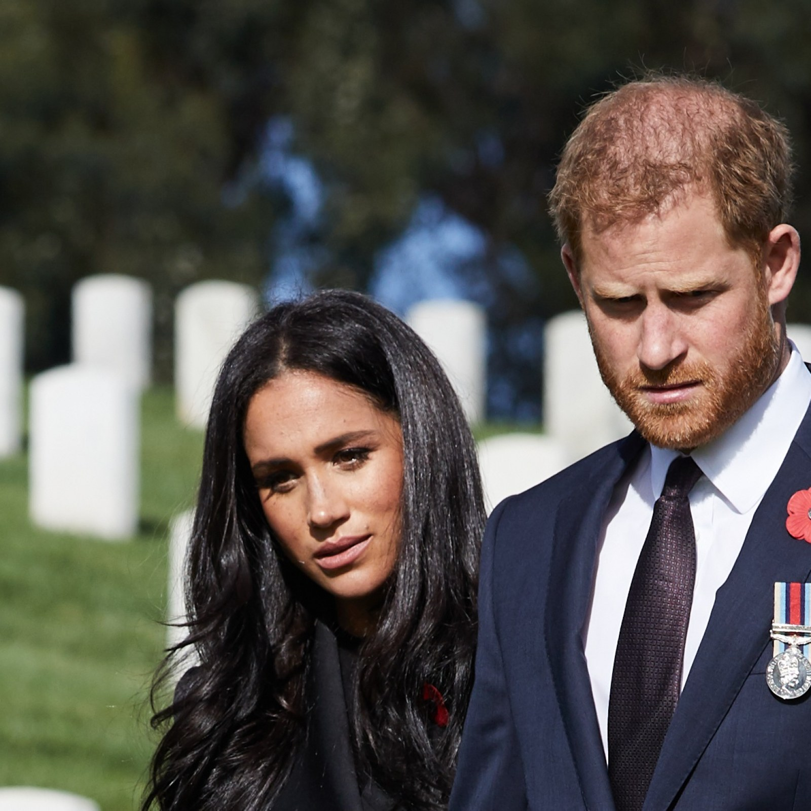 why meghan markle and prince harry face a new royal rift after remembrance sunday why meghan markle and prince harry face