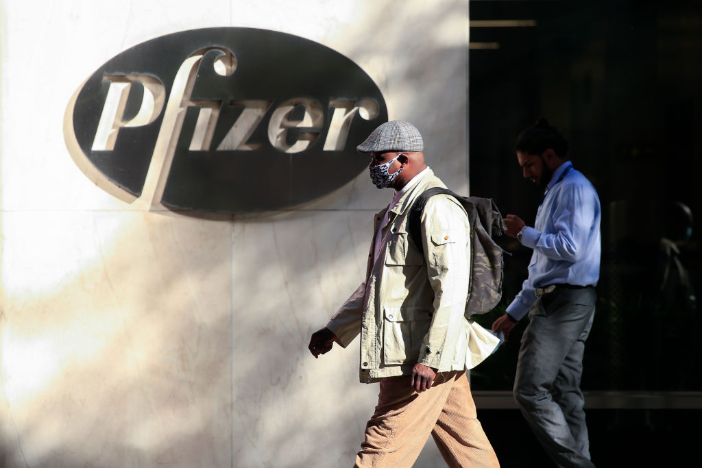 As Stimulus Hopes Dwindle, Investors Cling to Pfizer ...