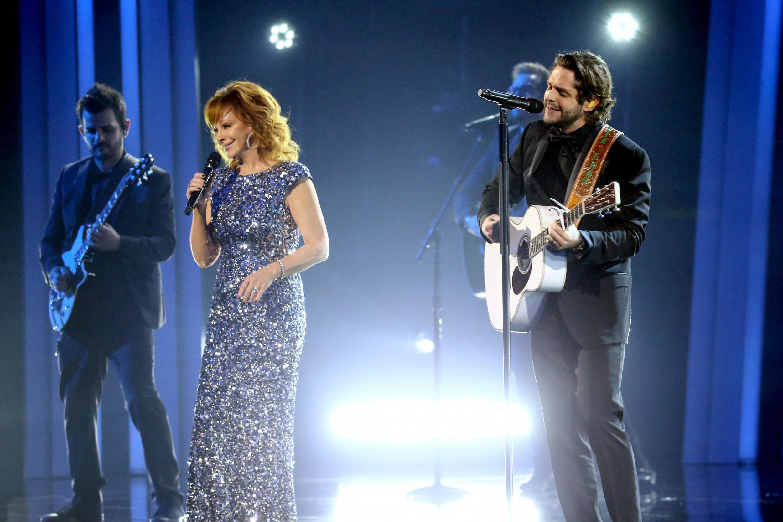 Who took home the top awards at tonight's CMA Awards?