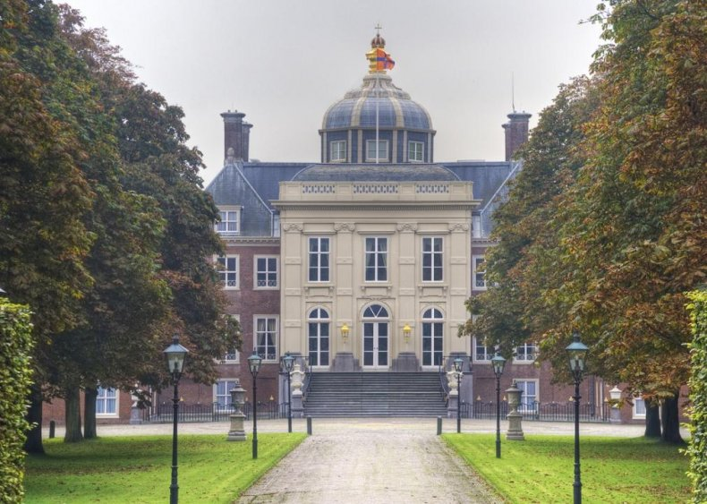 King Willem-Alexander: Huis ten Bosch Palace