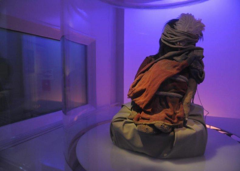 Frozen bodies of children sacrificed by Inca