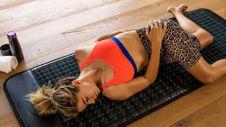 higherdose-infrared-mat-yoga