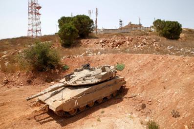 israel tank flips