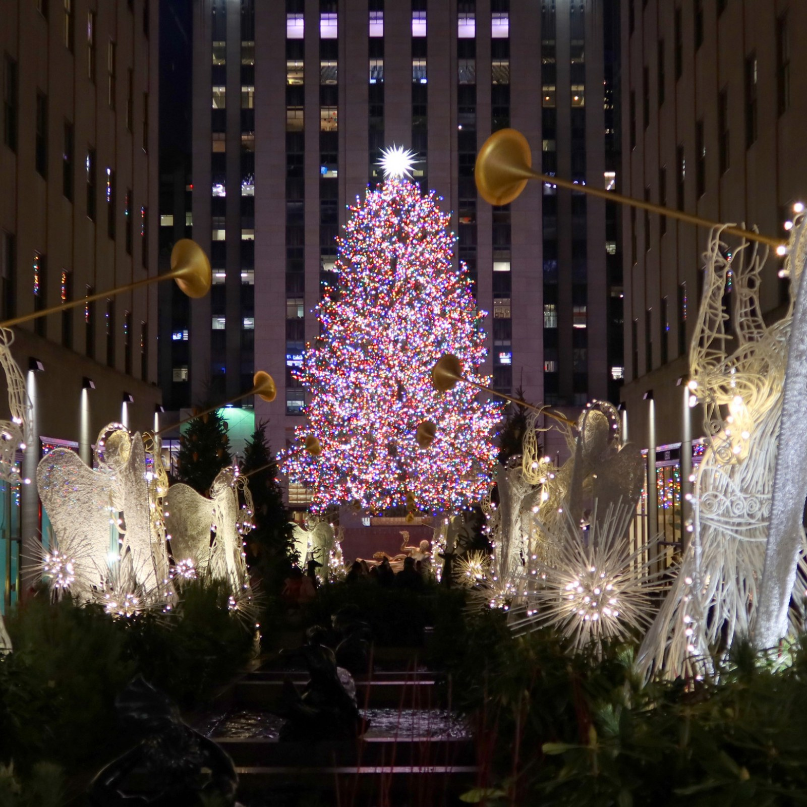 How To Watch the Lighting of the Rockefeller Center Christmas Tree