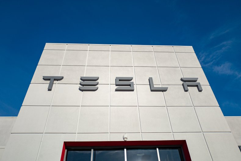 Tesla dealer in Pleasanton, California 2018
