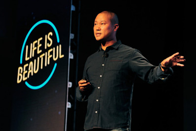 Zappos CEO Tony Hsieh Speaks Onstage