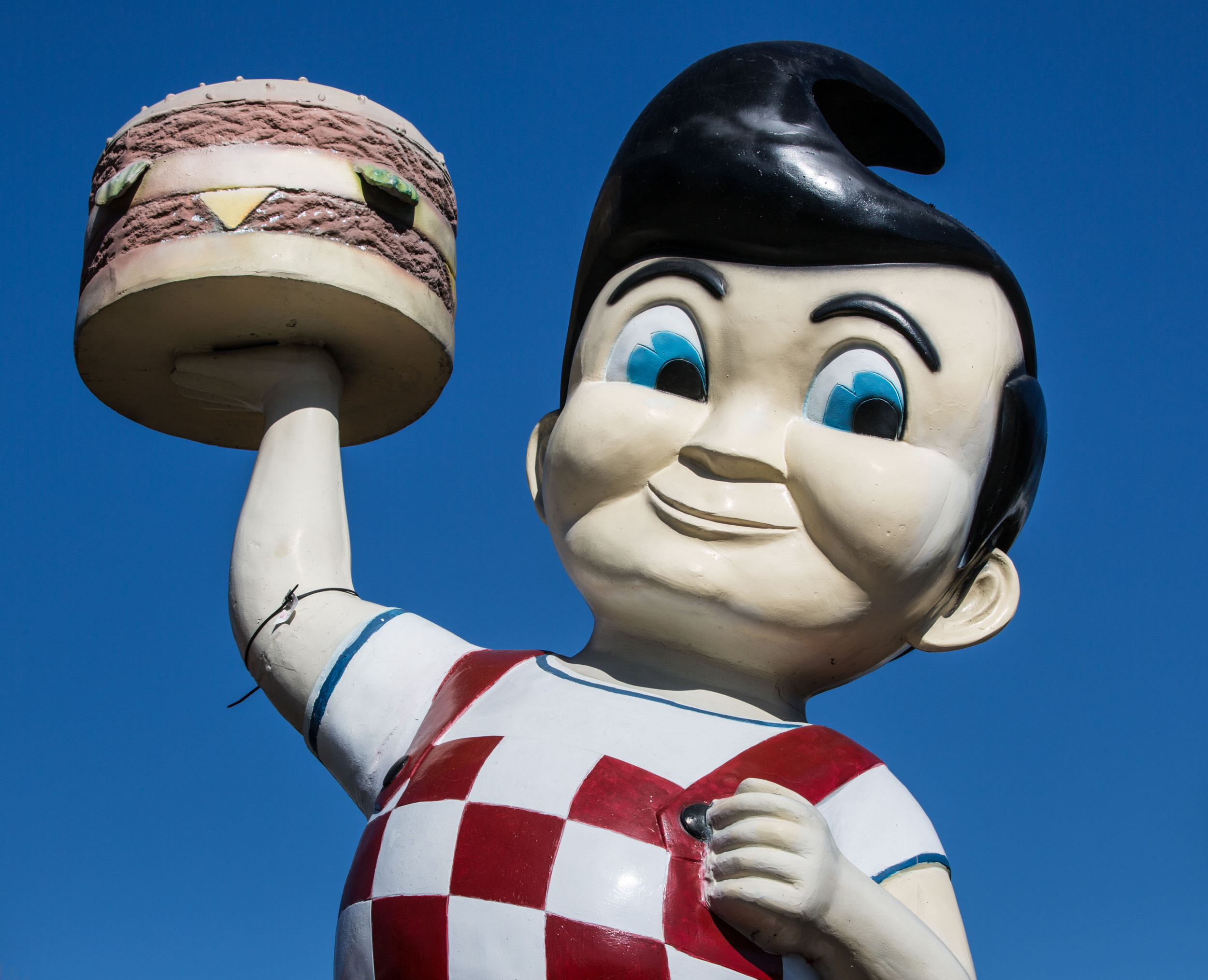 Big Boy restaurant chain threatens legal action against franchisee for violating Michigan's COVID orders: