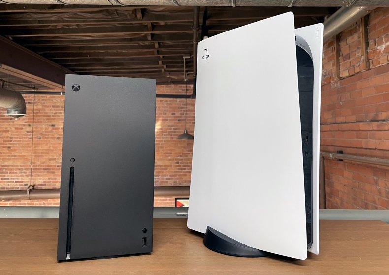 PS5 vs Xbox Series X Price