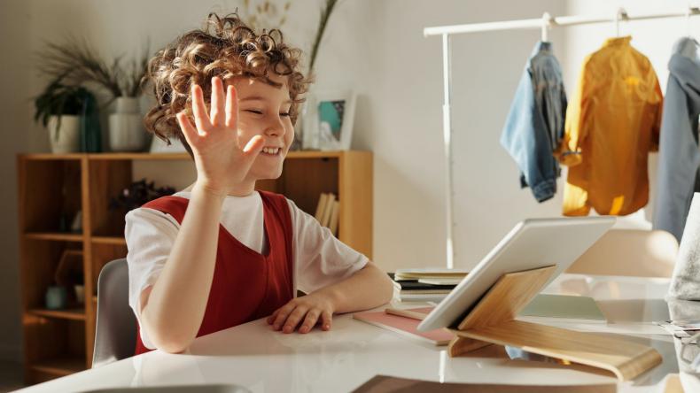 boy-online-learning