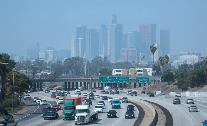 Air pollution covers Los Angeles in smog
