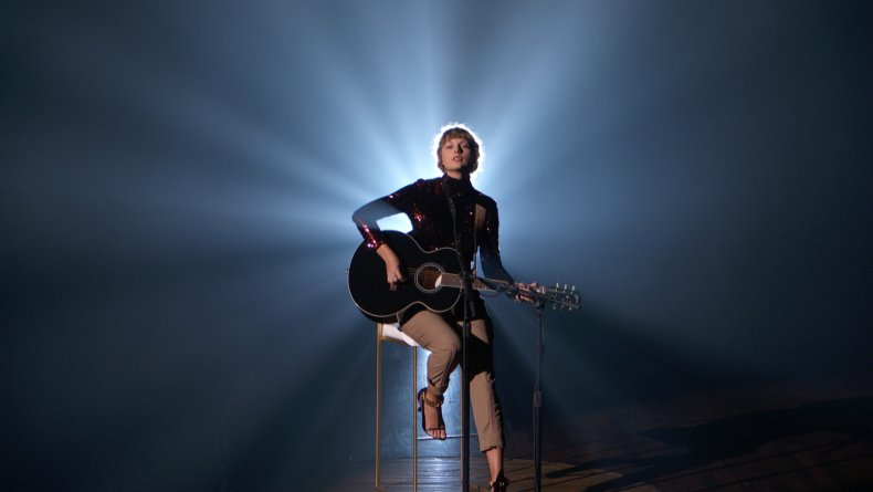 Taylor Swift Performs ACMAs Betty