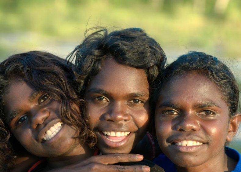 Australia: Groups sleep together