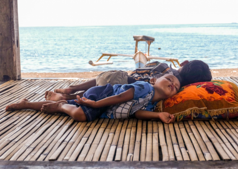 Indonesia: Stress induces instant sleep