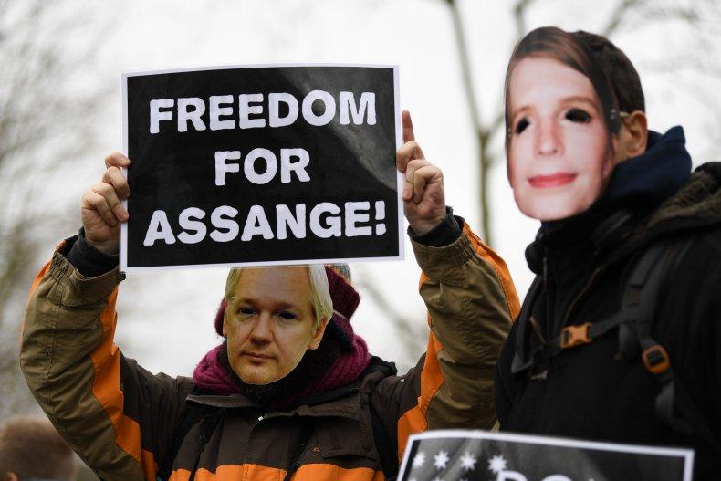 julian assange pardon trump