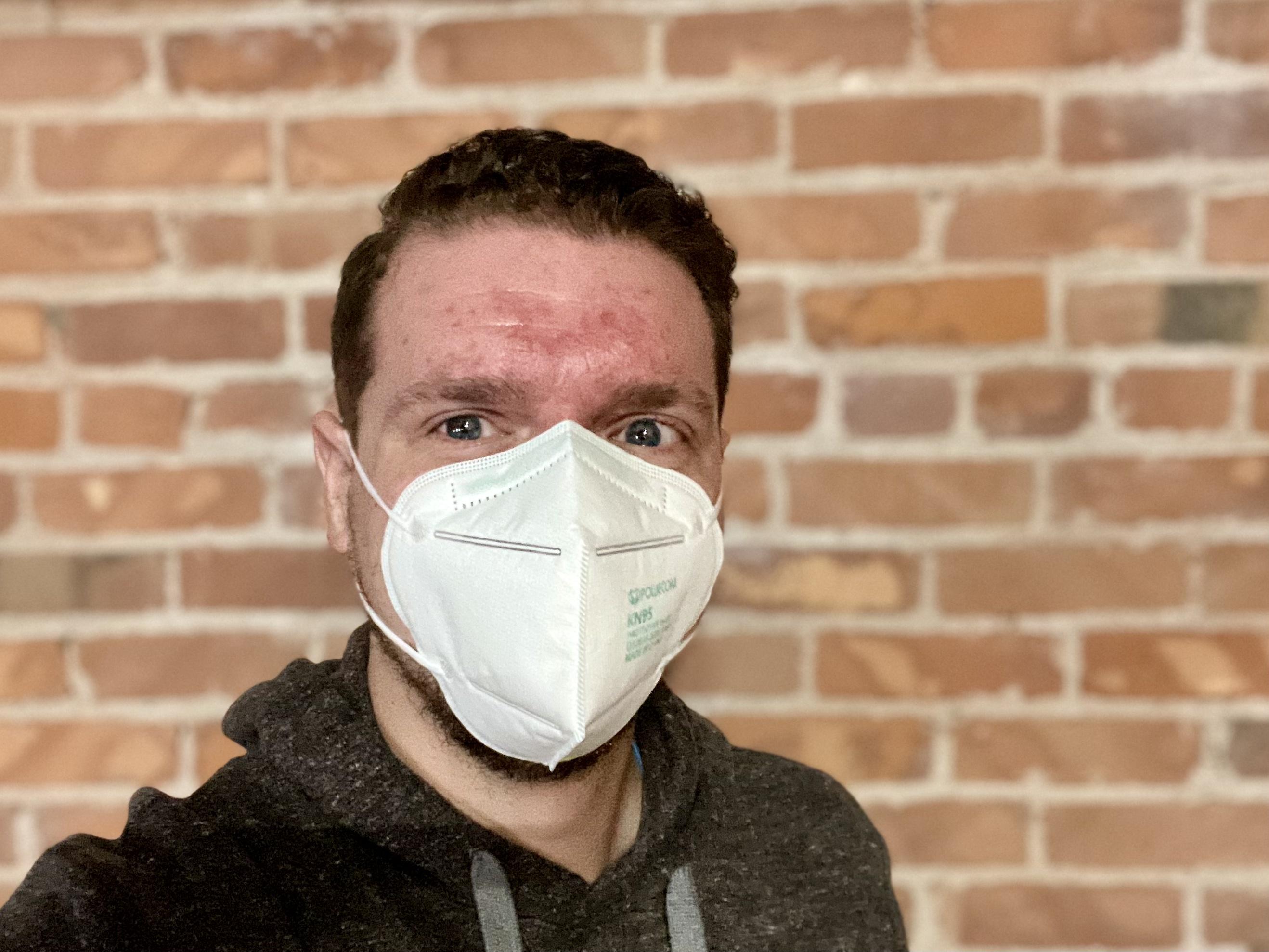 Man wearing KN95 mask